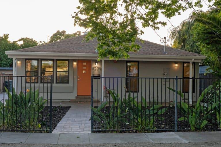1239 Madera Ave. Menlo Park, CA 94025